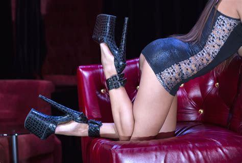 all new stripper jpg 640x434
