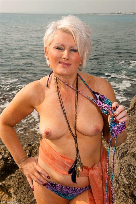 fine naked grannies jpg 1022x1536